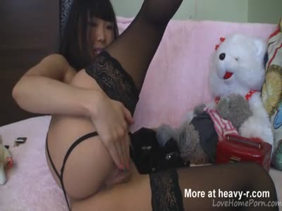 Alluring masturbation session with the suave Asian chick