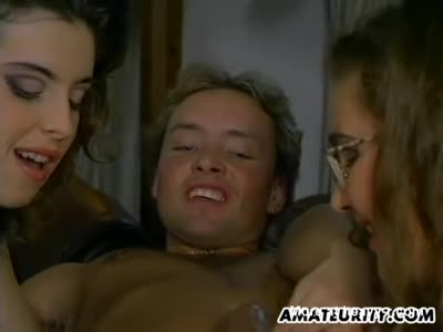 Amateur FFM Vintage Threesome