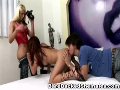 Hot Shemale Enjoy Threesome