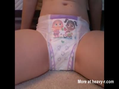 Teen Wetting Her Diaper