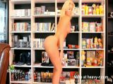 Blonde Girl Twerking Her Big Bare Butt