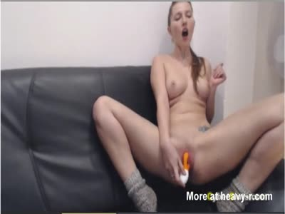 Cam Girl Squirting Hard With Dildo In Ass