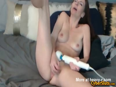 Beautiful Fitness Slut With Huge Clit