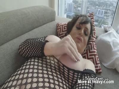 Chubby lingerie tranny masturating