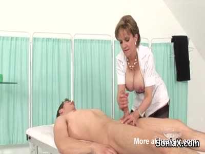 Unfaithful british mature lady sonia presents her big tits