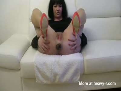 Hot Mature Babe Releasing Big Turd