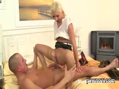 Girl Pissing In Boyfriend's Face