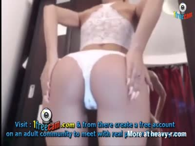 Hot Girl Webcam Show On 1freecam