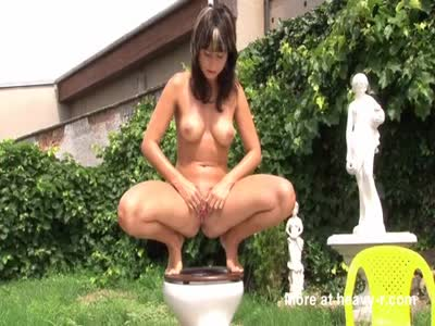 Pissing Shitting Teen Girls HD Video