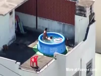 Couple Fucking On Rooftop In Pool