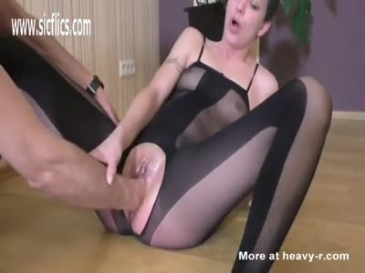 Fisting Teen In Sexy Outfit