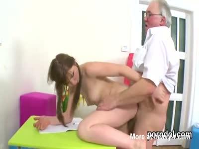 Grandpa Fucking 18yo Girl