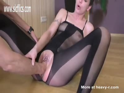 Fisting Dripping Wet Teen Pussy