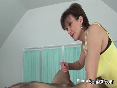 Unfaithful british mature lady sonia presents her huge puppi