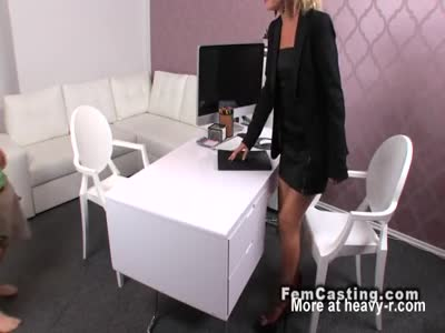 Limp dick guy fucks female agent