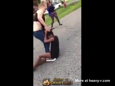 White Girl Beats Up Black Girl