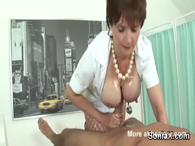 Unfaithful british mature lady sonia shows off her giant boo