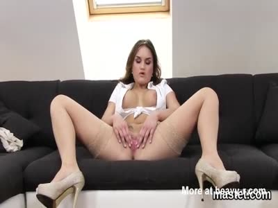 Unusual czech nympho spreads her juicy muff to the bizarre