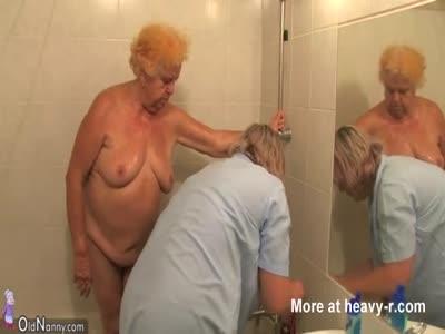50 yr old pinay granny spread wide 3