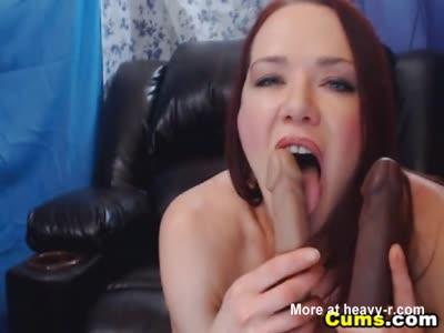 Loud Cam Slut Penetrates Her Holes