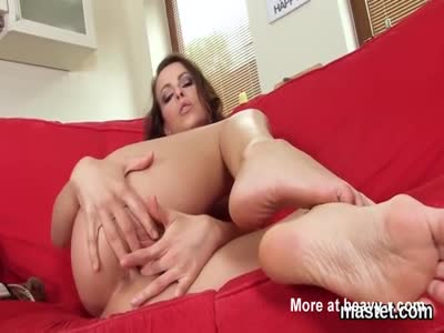 Horny czech nympho gapes her narrow cunt to the special