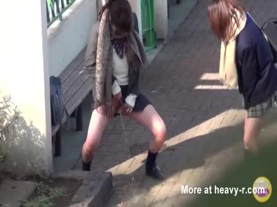 Peeing Schoolgirls