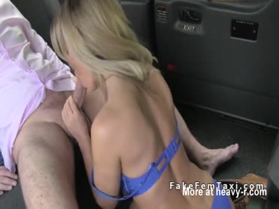 Female fake taxi driver enjoys in rimjob