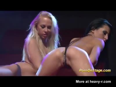 Lesbian Live Show