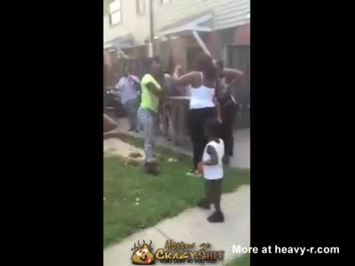 Ghetto Bitch Drops Her Baby To Fight Neighbor