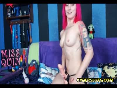Pink Emo Chick Masturbating