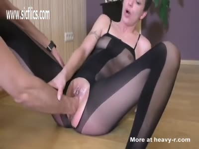 Fisting To A Great Squirting Height