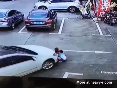 Woman Runs Over 3 Children In A Parkling Lot