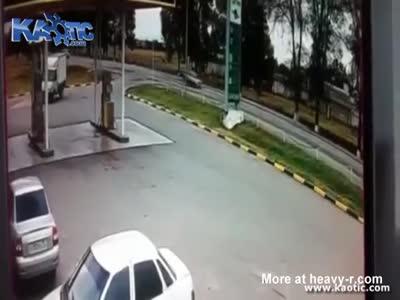 People Burn To Death In Car Crash