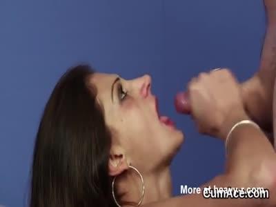Honey Gets Big Cumshot On Face