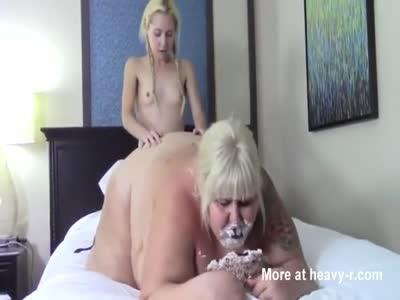 Creampie lesbia fuck porno