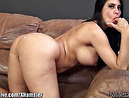 Ridiculously Hot Mature Babe Gets A Bbc In He...