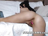 Awesome Brunette Masturbate And Orgasm On Web...