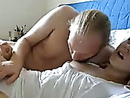 Fingering My Girlfriend's Pussy As I Lick...