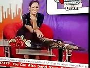 Pakistani Pathan Girl Mahera Hot Cleavage Sho...