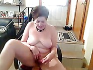 Old Amateur Saggie Nipple Butt Slut Enjoys Da...