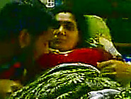Mature Indian Aunty Obediently Sucks Dick Of ...