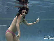 Lyssa Underwater Breath Holding