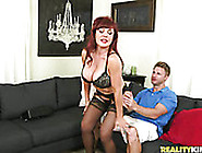 Booty Bitch With Awesome Ass Gets A Fondles F...
