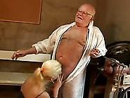 Horny Old Grandpa Greedily Eats Dumpy Pussy O...