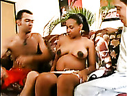 Cute Pregnant Babe Got Picked Up For Threesom...