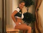Model Dance 17