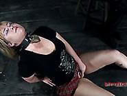 Sasha Knox's Nipples Get Burned With A Ci...