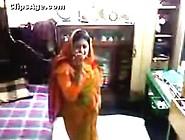 Bangladeshi School Teacher Bhabhi Exposed Off...