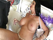 A Big Tits Girl With Black Hair Is Giving A G...