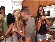 Porno Sexy College Girls Start An Orgy At A F...